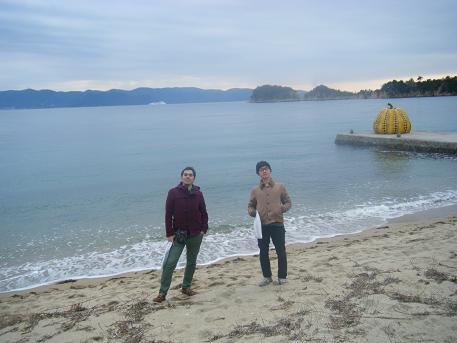 直島の海岸で.jpg